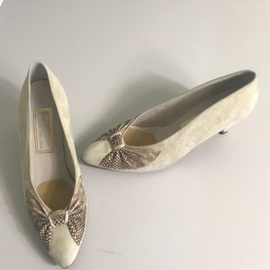 Vintage Prevata pumps made in Italy Size 7.5 AAA